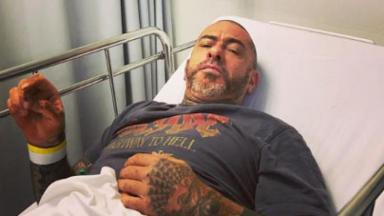 Henrique Fogaça na cama de hospital