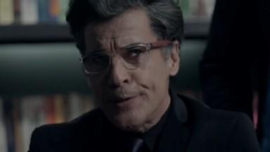 Paulo Betti como Téo Pereira em cena da novela Império, em reprise na Globo