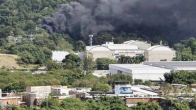 Fumaça saindo de uma área dos Estúdios Globo