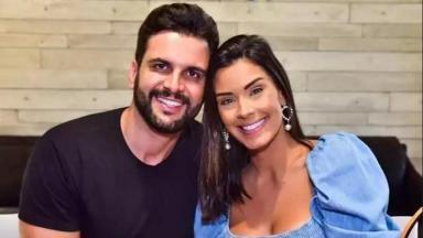 Ivy Moraes abraçada com Rogério Fernandes
