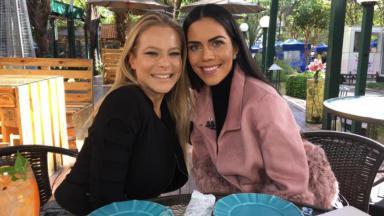 Jackeline Petkovic ao lado de Daniela Albuquerque