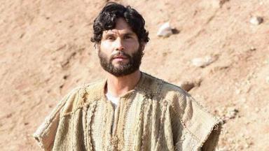 Dudu Azevedo protagoniza Jesus em trama da Record TV