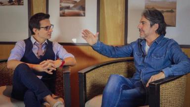 João Kléber dando entrevista