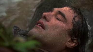 José Ângelo desacordado na beira do rio