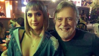José de Abreu e a noiva Carol Junger