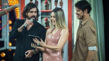 Fernanda Lima se choca com foto