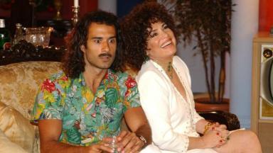 Marcos Pasquim e Regina Duarte em cena da novela Kubanacan, disponível no Globoplay