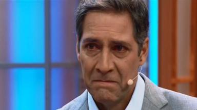 Luís Ernesto Lacombe chorando