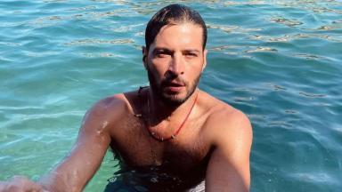 Leandro Lima nada em rio; ator viverá Levi no remake de Pantanal produzido pela Globo