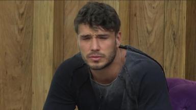 Lucas Viana durante o reality show A Fazenda 2019