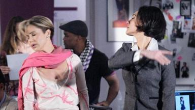 Guilhermina Guinle e Christiane Torloni em cena da novela Ti Ti Ti, em reprise na Globo