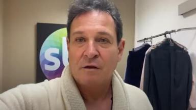 Luís Ricardo no camarim do SBT