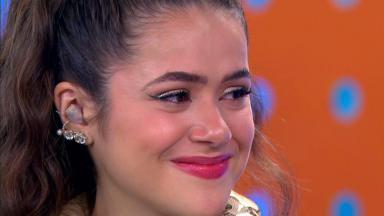 Maisa emocionada no último episódio no SBT