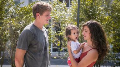 Malhação com cena de Filipe, Nina e Rita