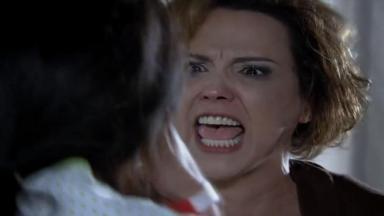 Eva gritando com Manu