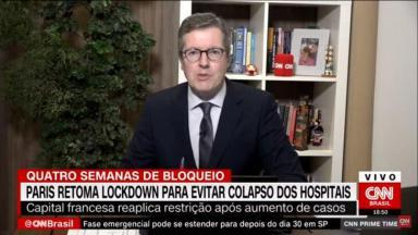 Márcio Gomes apresentando o CNN Prime Time