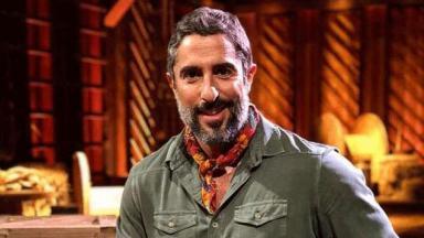 Marcos Mion comanda o reality show A Fazenda