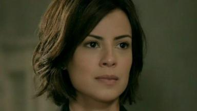 Maria Clara encara Cristina pela primeira vez