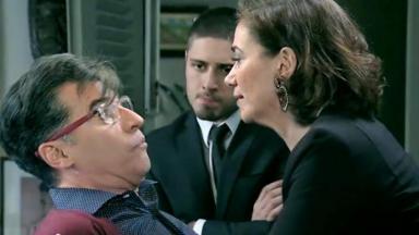 Maria Marta atacando Téo