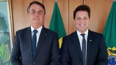 Mário Frias posado para foto ao lado de Jair Bolsonaro
