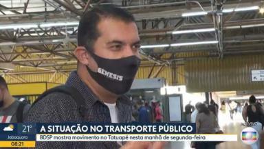 Pessoa com máscara de Gênesis na Globo