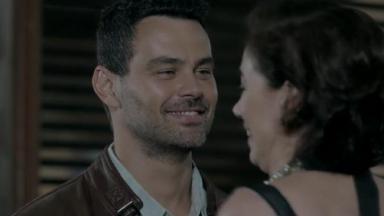 Carmo Dalla Vecchia como Maurílio em cena da novela Império, em reprise na Globo