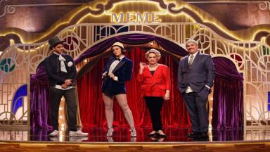 Victor Lamoglia nos bastidores do programa M.E.M.E da Comédia na TNT com Letícia Lima, Fafy Siqueira e Ed Gama, os jurados da atração