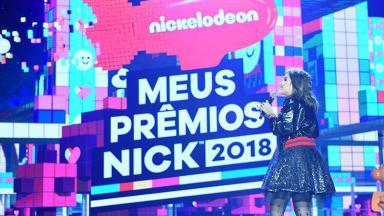 Maisa no palco do Meus Prêmios Nick