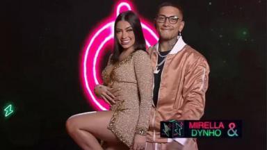Mirella e namorado no comercial do Power Couple