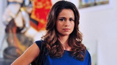 Nanda Costa como Morena em Salve Jorge