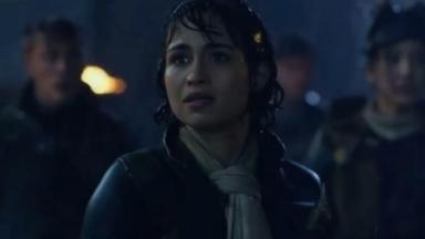 Nanda Costa em cena de Monster Hunter, sua estreia em Hollywood