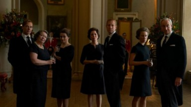 Cena da quarta temporada de The Crown, favorita para o Emmy