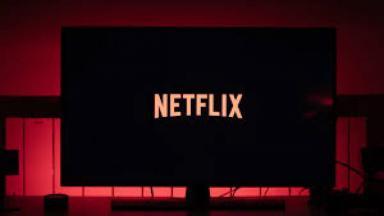 Logo da Netflix dentro de uma TV