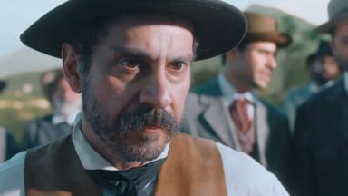 Alexandre Nero como Tonico em cena da novela Nos Tempos do Imperador, em exibição na Globo