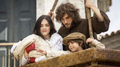 Anna e Joaquim fugindo em Novo Mundo
