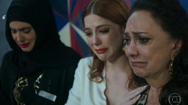 Personagens choram a morte de Dalila
