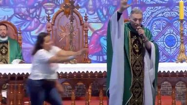 Padre Marcelo Rossi agredido