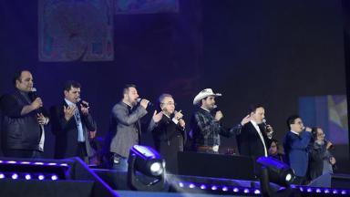 Padres cantores no Santuário Nacional, em Aparecida