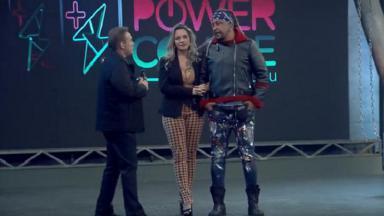 """Gugu apresentando o """"Power Couple"""""""