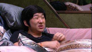 Pyong Lee está se desentendendo com vários participantes do BBB20