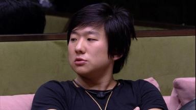 Pyong Lee durante o reality show BBB20