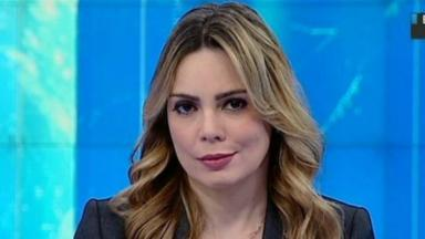 Rachel Sheherazade apresentando jornal