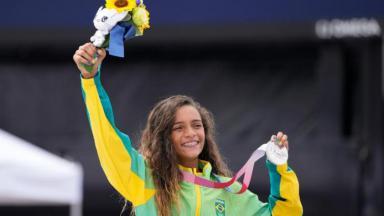 Rayssa com medalha de prata