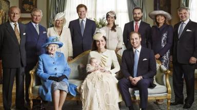 Foto da família real britânica reunida