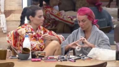 Dayane Mello e Valentina Francavilla conversam na cozinha sobre o jogo