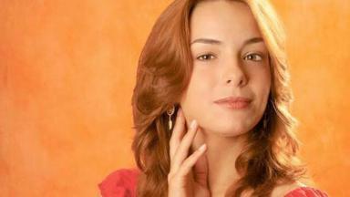 Regiane Alves vive Dóris em Mulheres Apaixonadas, que será reprisada no Viva a partir de segunda-feira (24)