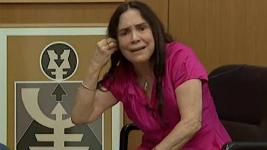 """Regina Duarte deu """"chilique"""" na CNN Brasil e recebeu a desaprovação de grande parte da classe artística"""