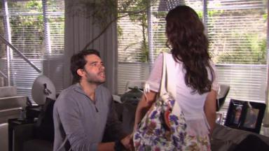 Guilherme Winter e Isis Valverde em cena da novela Ti Ti Ti, em reprise na Globo