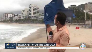Guarda-chuva de Diego Haidar quebrou ao vivo