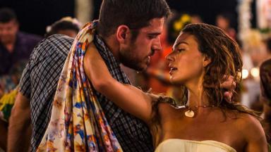 Marco Pigossi e Ísis Valverde em clima de amor em A Força do Querer